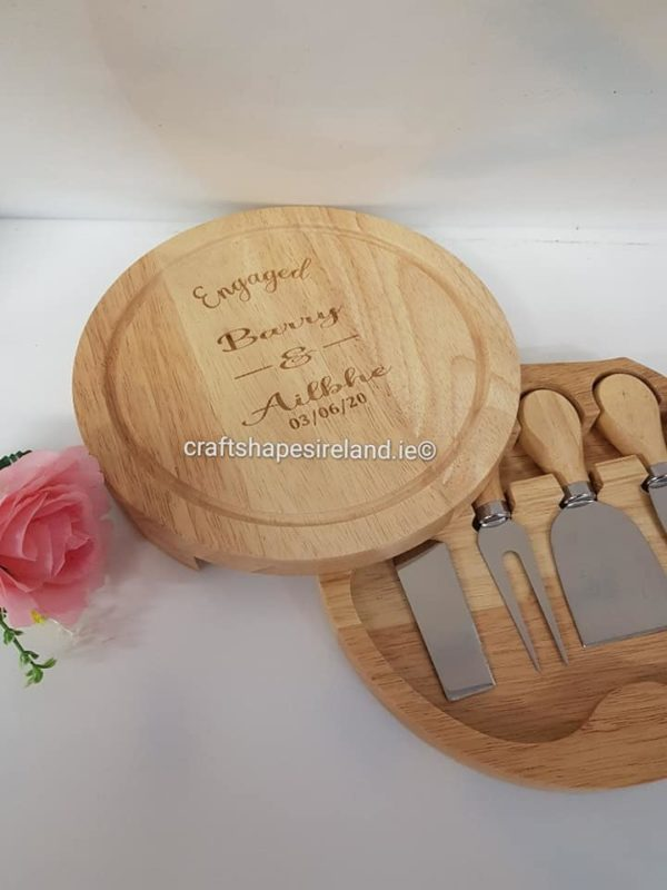 Personalised Circular cheeseboard with utensils - Modern - all occasions
