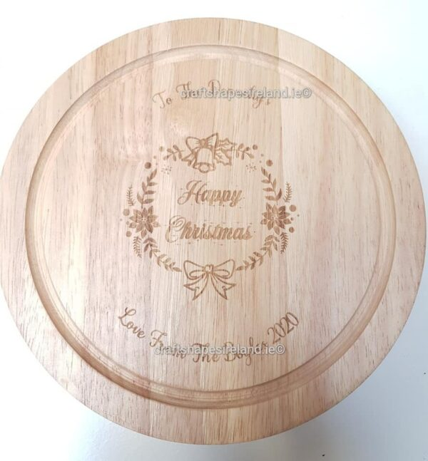 Personalised cheeseboard with utensils -Happy Christmas wreath freetext