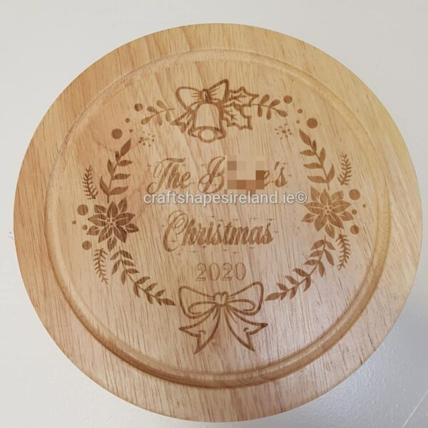 Personalised Circular cheeseboard with utensils - Christmas wreath freetext