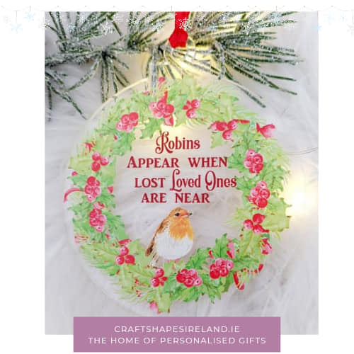 Robins appear bauble - clear